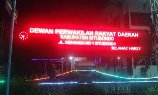 Dprd situbondo merah running tex - Jual running text di bangkalan madura - 0813.5495.4655